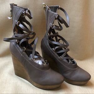 Matiko Closed Toe Gladiator Platform Wedges